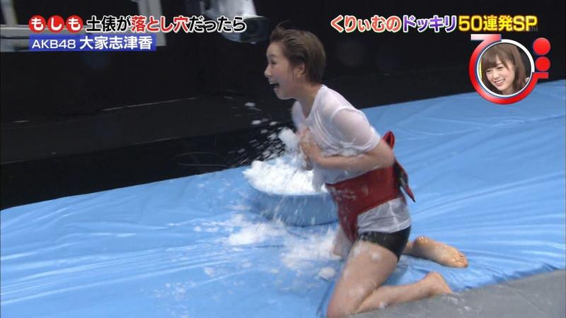 【大家志津香キャプ画像】AKB48のバラエティ担当アイドルが見せた大胆パンチラ!? 47