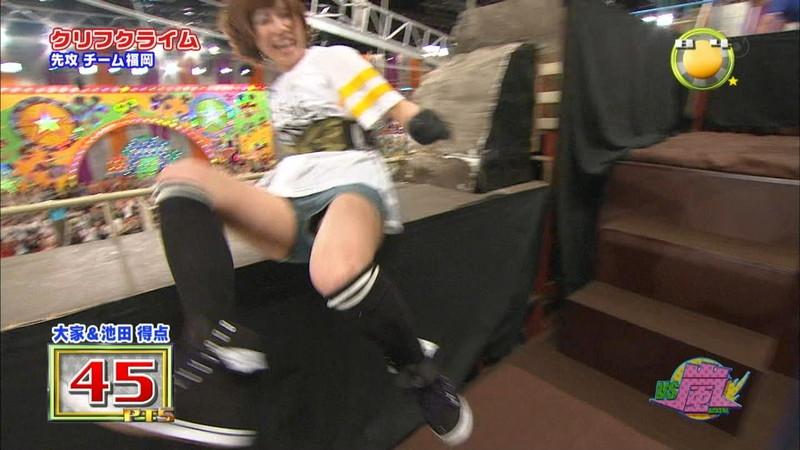 【大家志津香キャプ画像】AKB48のバラエティ担当アイドルが見せた大胆パンチラ!? 57