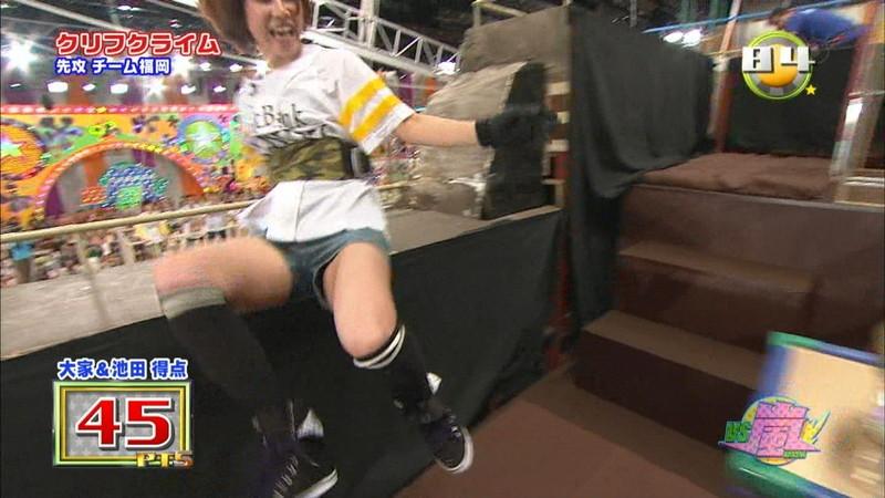 【大家志津香キャプ画像】AKB48のバラエティ担当アイドルが見せた大胆パンチラ!? 58