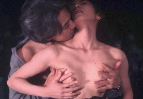 【芸能人濡れ場画像】普段脱ぐことが無い女優のセックスシーンお宝画像