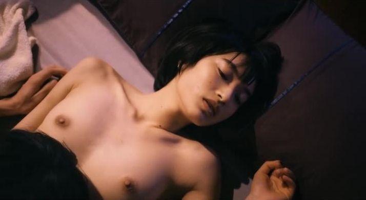 【芸能人濡れ場画像】普段脱ぐことが無い女優のセックスシーンお宝画像 17