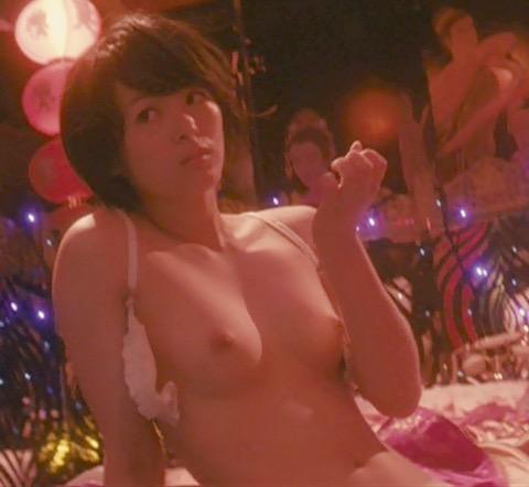 【芸能人濡れ場画像】普段脱ぐことが無い女優のセックスシーンお宝画像 34