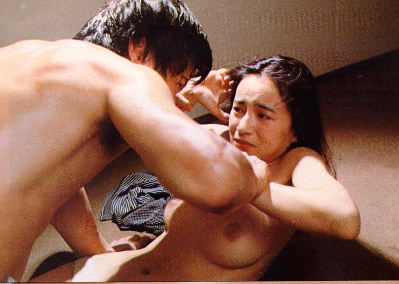 【芸能人濡れ場画像】普段脱ぐことが無い女優のセックスシーンお宝画像 38