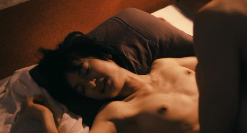 【芸能人濡れ場画像】普段脱ぐことが無い女優のセックスシーンお宝画像 42