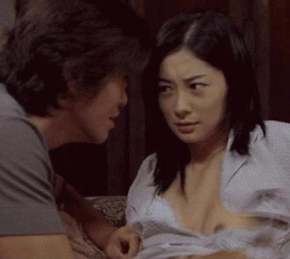 【芸能人濡れ場画像】普段脱ぐことが無い女優のセックスシーンお宝画像 67