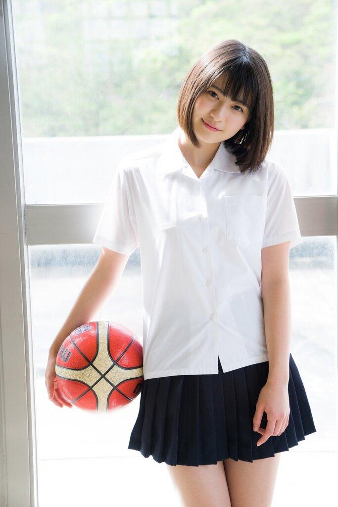 【山田南実グラビア画像】アイドル系美少女がエッチな水着姿を見せるなんて最高過ぎるw 22