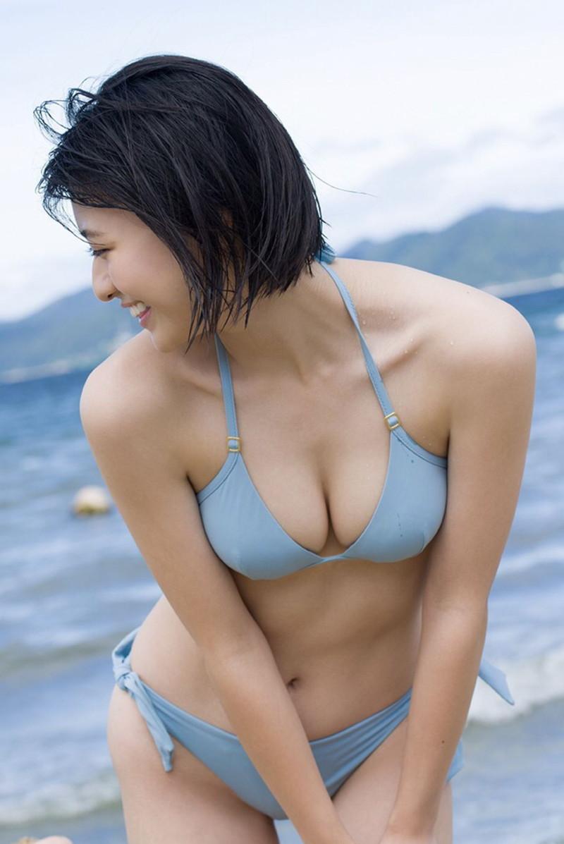 【山田南実グラビア画像】アイドル系美少女がエッチな水着姿を見せるなんて最高過ぎるw 76