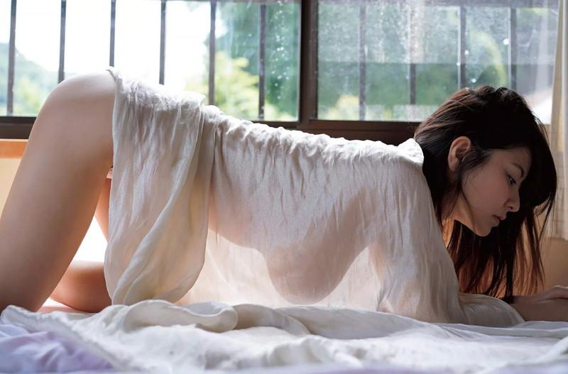 【花井美理グラビア画像】激エロJカップ爆乳をヌードで惜しげもなく晒すグラドル美熟女