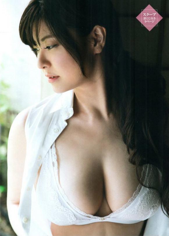【花井美理グラビア画像】激エロJカップ爆乳をヌードで惜しげもなく晒すグラドル美熟女 06