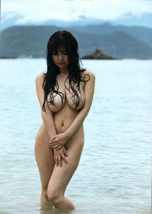 【花井美理グラビア画像】激エロJカップ爆乳をヌードで惜しげもなく晒すグラドル美熟女 07