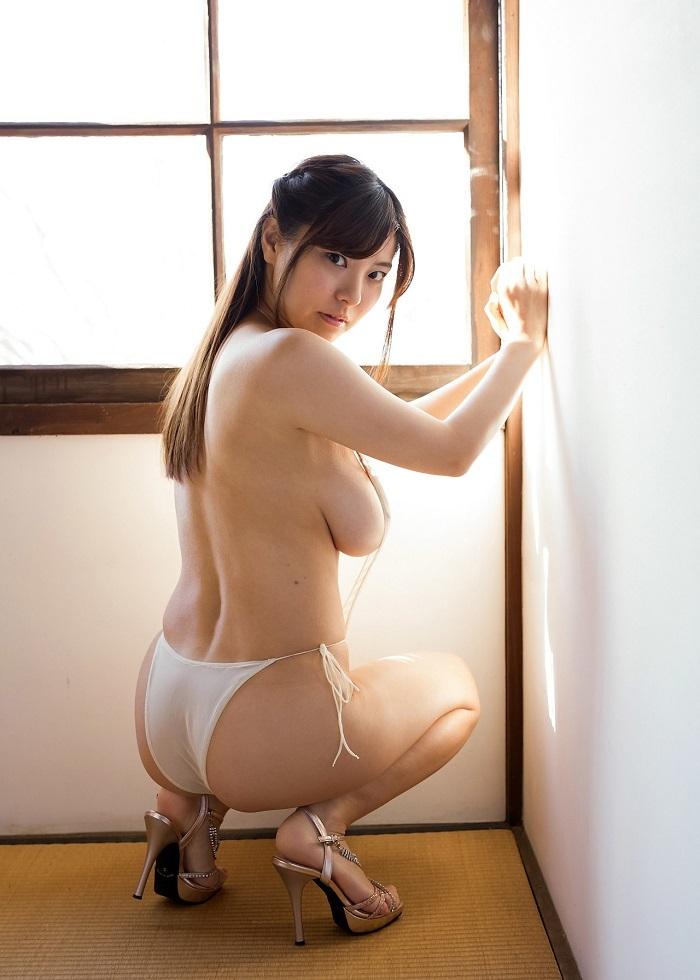 【花井美理グラビア画像】激エロJカップ爆乳をヌードで惜しげもなく晒すグラドル美熟女 30