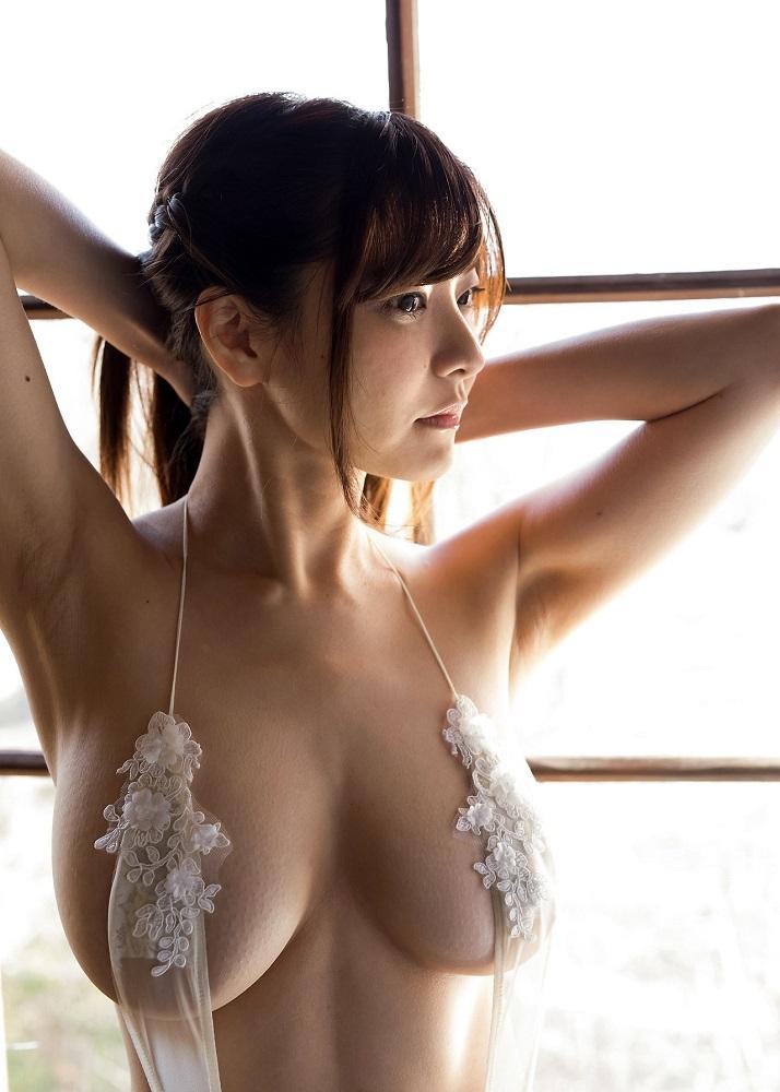 【花井美理グラビア画像】激エロJカップ爆乳をヌードで惜しげもなく晒すグラドル美熟女 36
