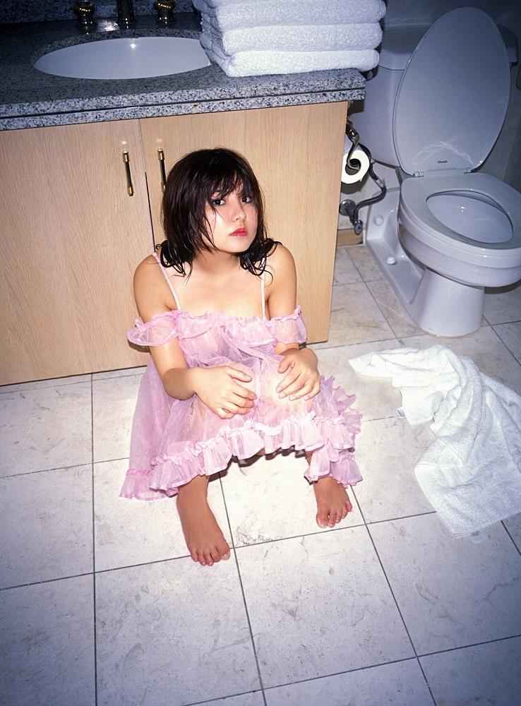 【花井美理グラビア画像】激エロJカップ爆乳をヌードで惜しげもなく晒すグラドル美熟女 45