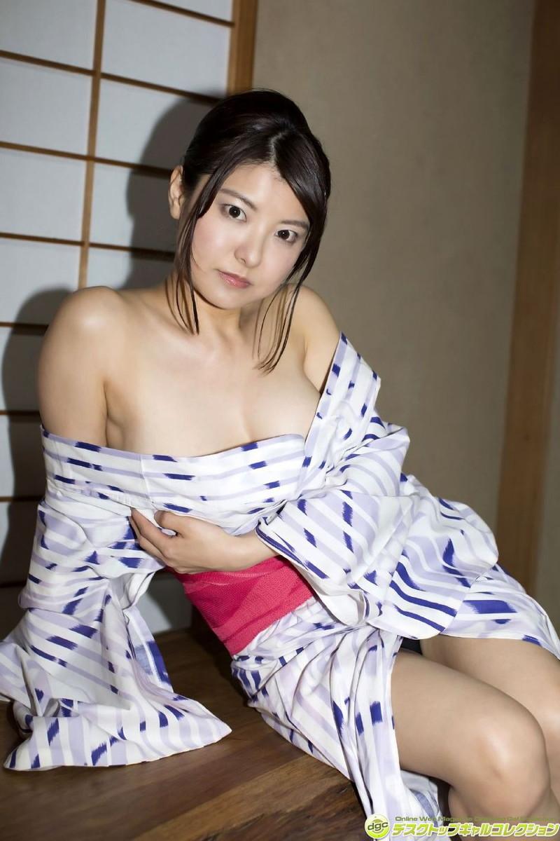 【花井美理グラビア画像】激エロJカップ爆乳をヌードで惜しげもなく晒すグラドル美熟女 53