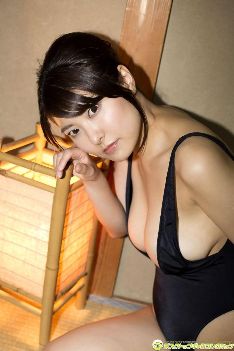 【花井美理グラビア画像】激エロJカップ爆乳をヌードで惜しげもなく晒すグラドル美熟女 57