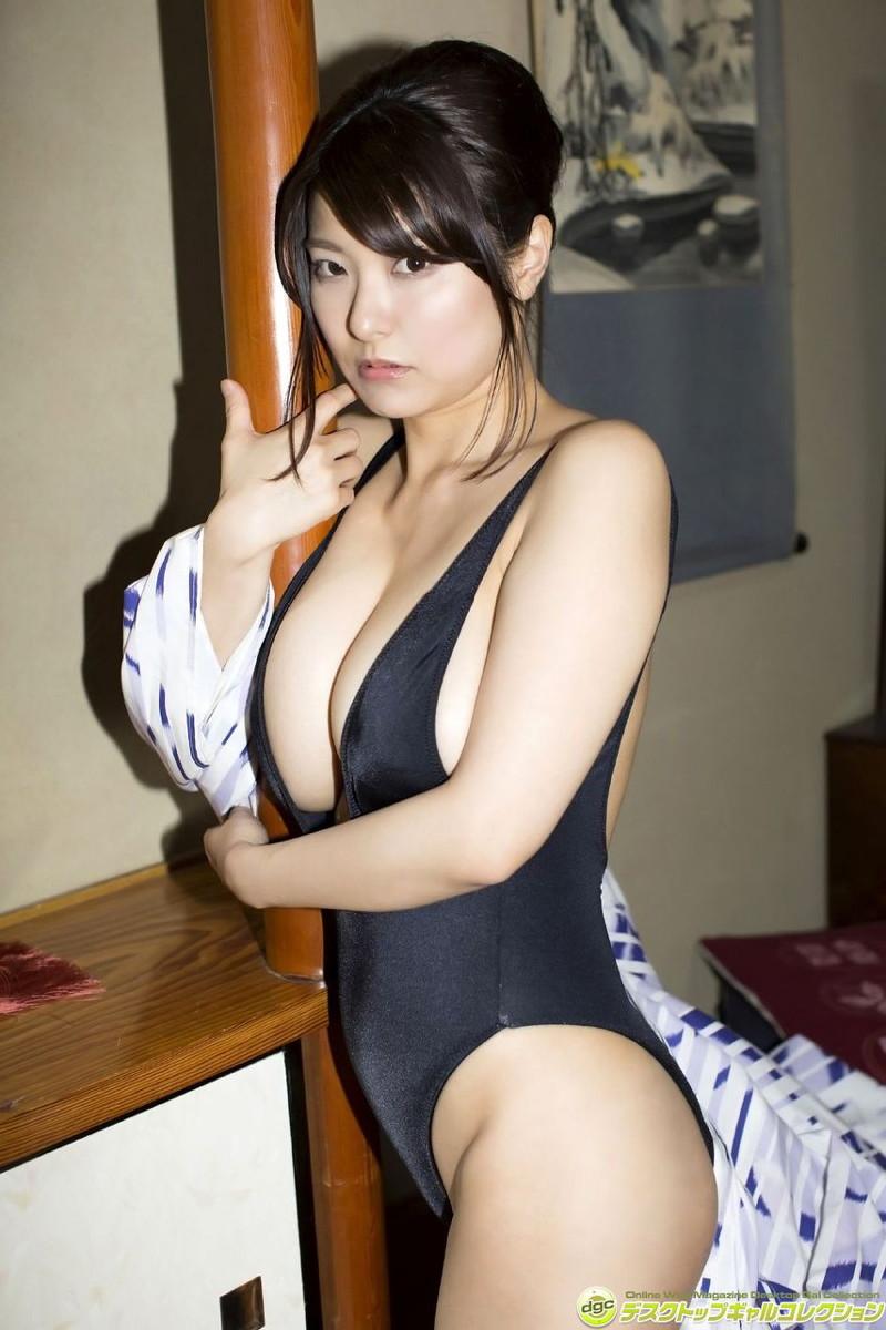 【花井美理グラビア画像】激エロJカップ爆乳をヌードで惜しげもなく晒すグラドル美熟女 60