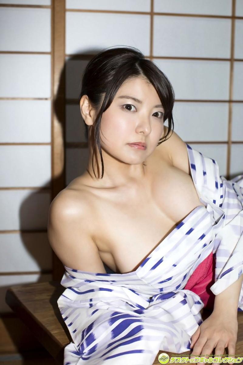 【花井美理グラビア画像】激エロJカップ爆乳をヌードで惜しげもなく晒すグラドル美熟女 61