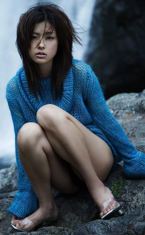 【木下あゆ美グラビア画像】特撮ドラマ出身女優が魅せたビキニ姿のお宝画像! 13
