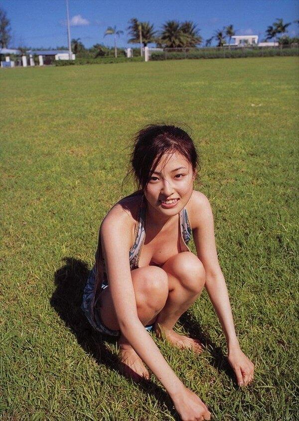 【木下あゆ美グラビア画像】特撮ドラマ出身女優が魅せたビキニ姿のお宝画像! 23