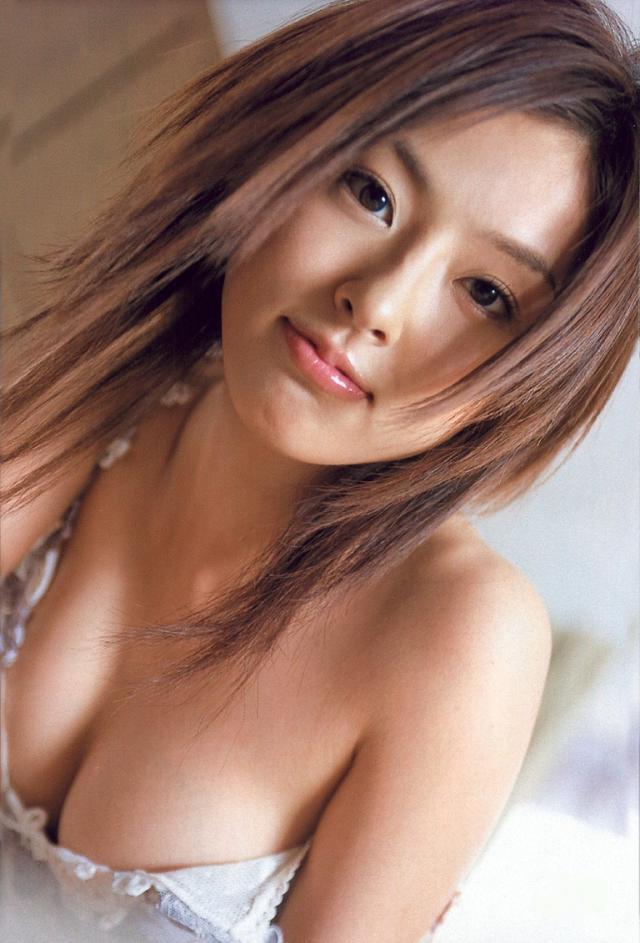 【木下あゆ美グラビア画像】特撮ドラマ出身女優が魅せたビキニ姿のお宝画像! 49