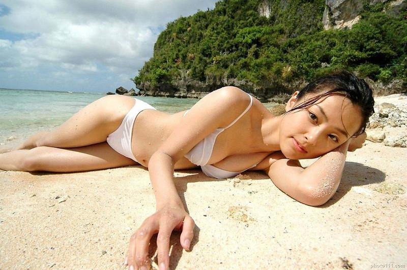 【木下あゆ美グラビア画像】特撮ドラマ出身女優が魅せたビキニ姿のお宝画像! 77