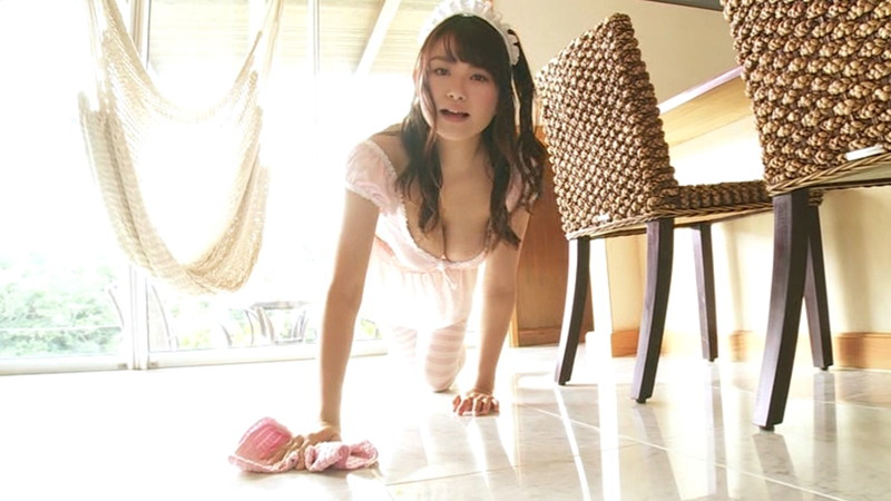 【桜井木穂エロ画像】ビキニからはみ出しちゃってるIカップ爆乳でパイズリして欲しいわwwww 65
