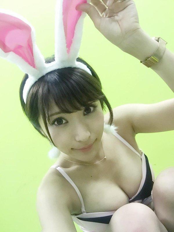 【桐生美希エロ画像】Gカップの谷間がエッチなショートヘア美女の着衣おっぱい 60