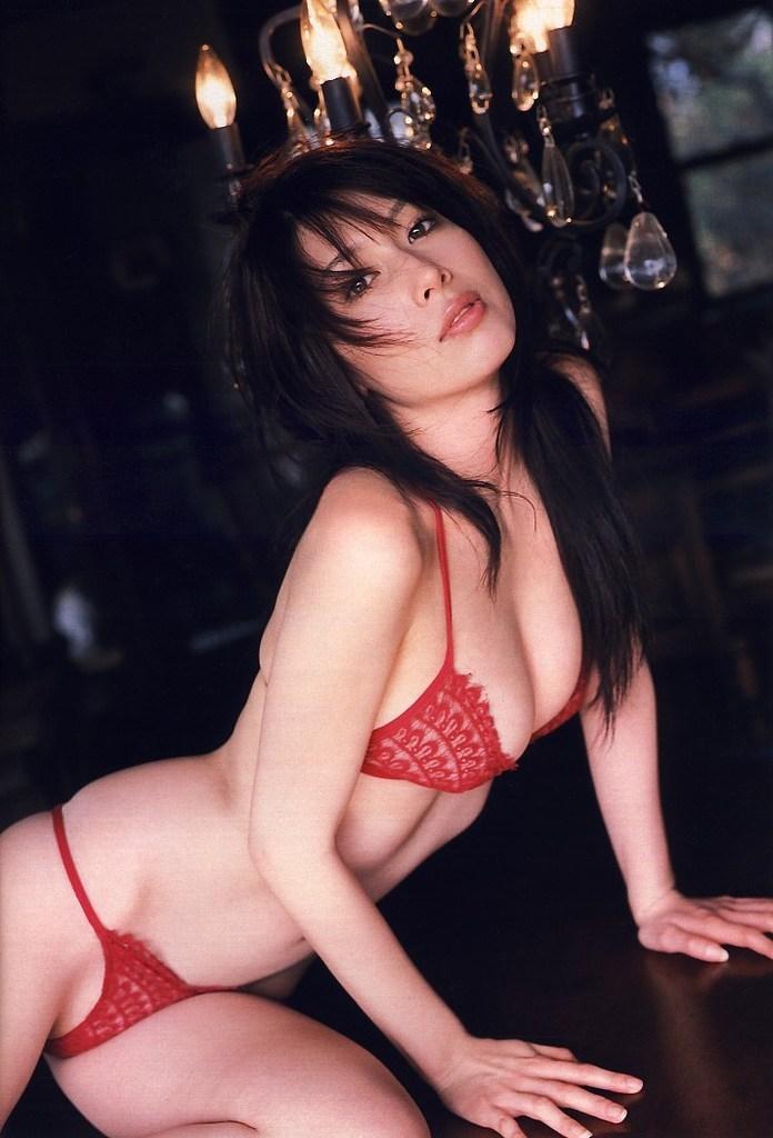 【小林恵美グラビア画像】志村けんが亡くなった事で再び注目された巨乳グラドル 34