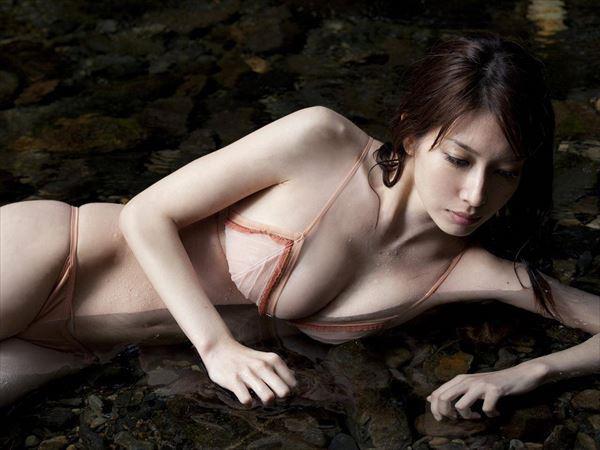 【小林恵美グラビア画像】志村けんが亡くなった事で再び注目された巨乳グラドル 68