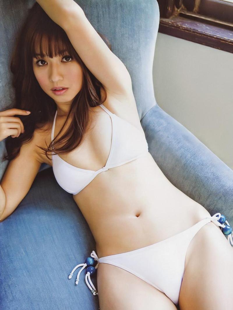 【優木まおみグラビア画像】エロ賢いBカップスレンダー美女のセクシービキニボディ 44