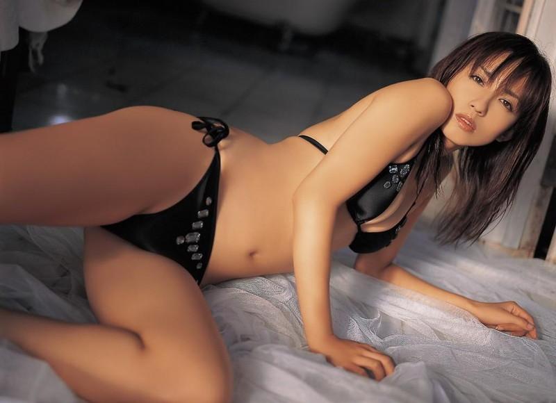 【優木まおみグラビア画像】エロ賢いBカップスレンダー美女のセクシービキニボディ 72