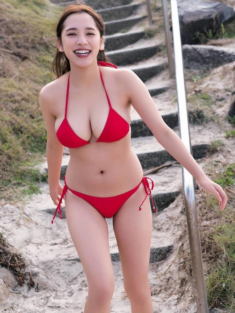 【都丸紗也華グラビア画像】神乳と呼ばれるFカップ巨乳ボディがめちゃシコ過ぎる! 33