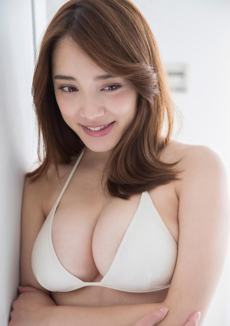 【都丸紗也華グラビア画像】神乳と呼ばれるFカップ巨乳ボディがめちゃシコ過ぎる! 76