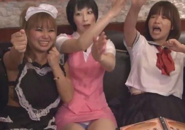 【放送事故画像】女芸人がチラリとかしてるエロシーンを集めたらヤバ過ぎたwwww 24