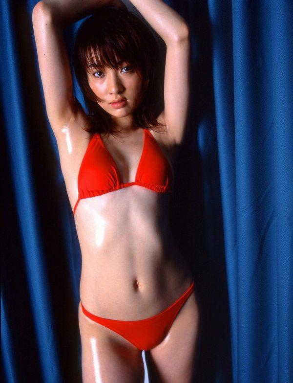 【咲嬉グラビア画像】最近芸名を変えた美熟女がグラドルだった頃のセクシー写真 09