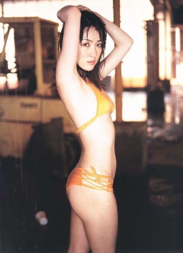 【咲嬉グラビア画像】最近芸名を変えた美熟女がグラドルだった頃のセクシー写真 45