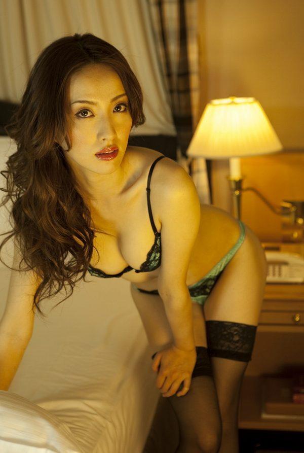 【咲嬉グラビア画像】最近芸名を変えた美熟女がグラドルだった頃のセクシー写真 65