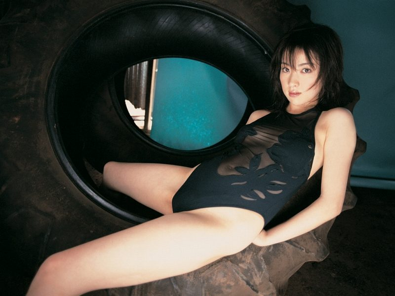 【咲嬉グラビア画像】最近芸名を変えた美熟女がグラドルだった頃のセクシー写真 74