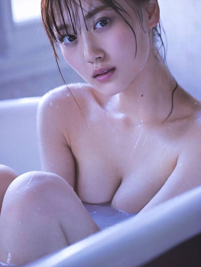 【山下美月グラビア画像】ハタチになっても相変わらず美少女感があって可愛いねぇ! 74