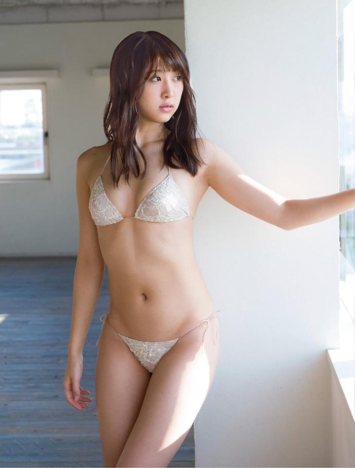 【真島なおみグラビア画像】長身美少女モデルがグラドルに負けず谷間を見せまくり 06