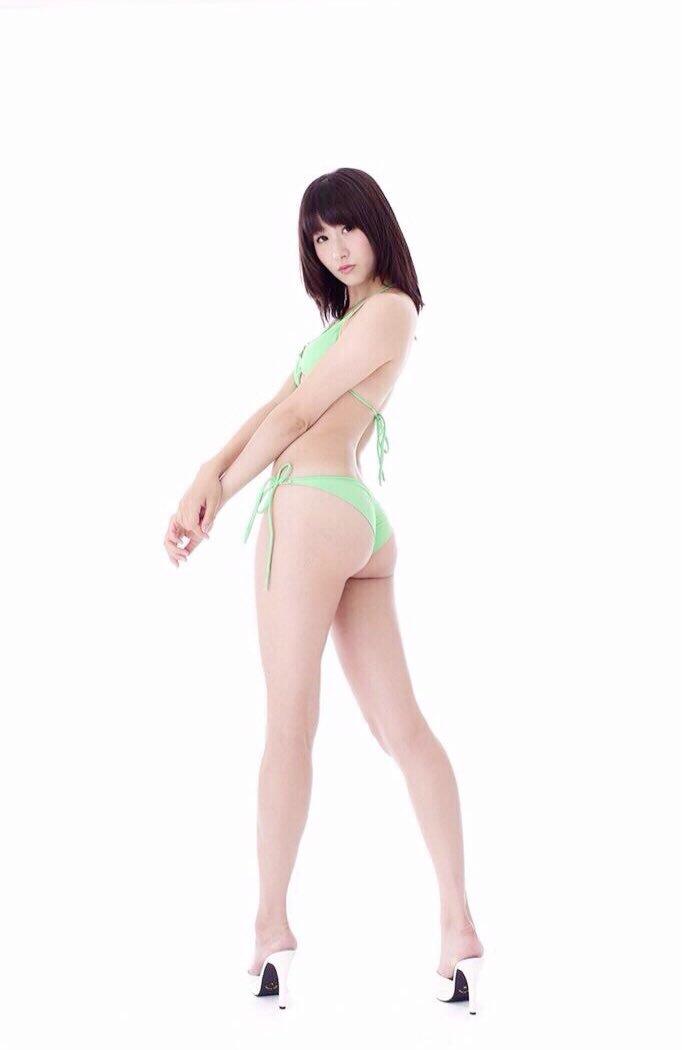 【ソラ豆琴美エロ画像】プリッと突き出した大きなお尻にブッカケたくなるお姉さん! 14