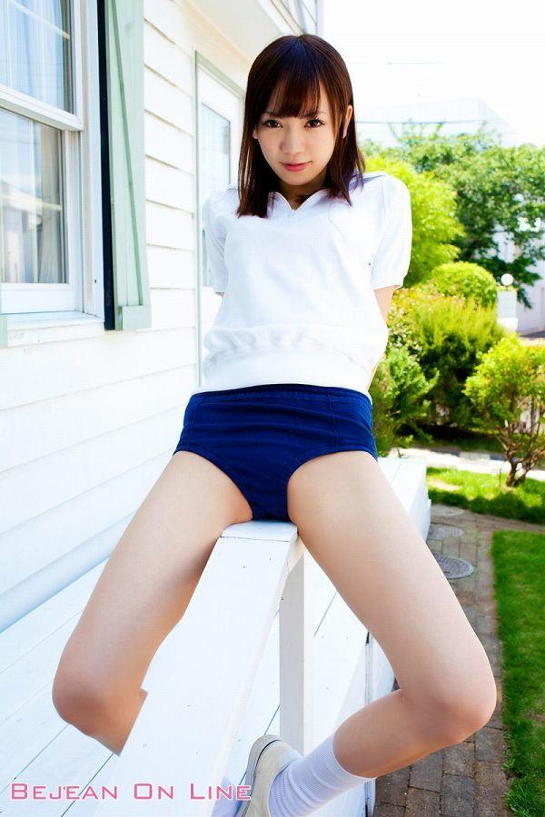 【鎌田紘子グラビア画像】お尻自慢のグラビアアイドルが野外露出してたってマジ? 11