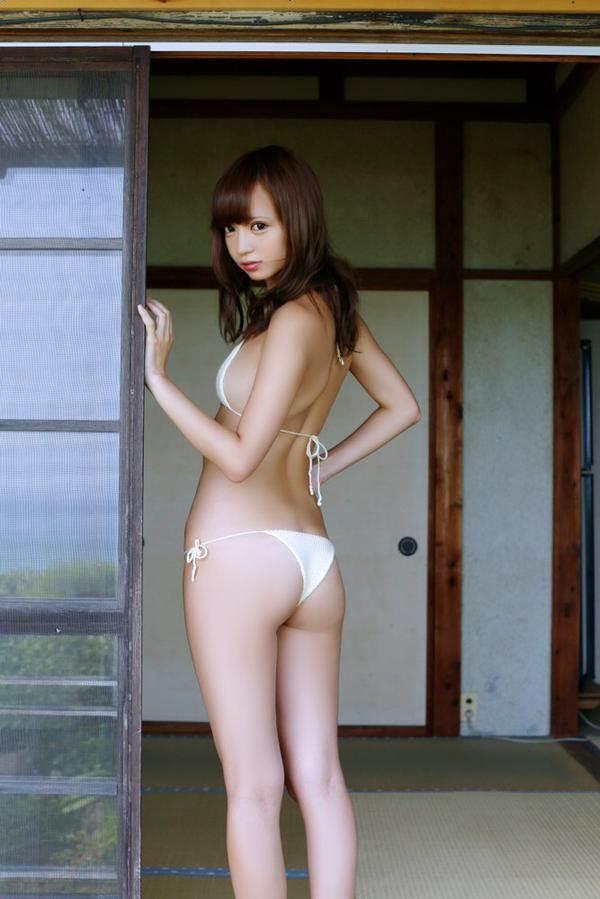 【鎌田紘子グラビア画像】お尻自慢のグラビアアイドルが野外露出してたってマジ? 72