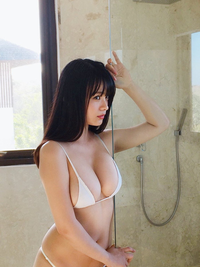 【星名美津紀エロ画像】子年グラドル総選挙で見事1位に輝いたHカップお姉さん 51