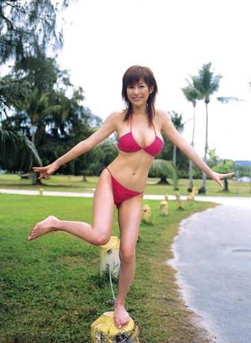 【グラドルくびれエロ画像】腰のクビレが凄い!エロい!グラビアアイドル画像 07