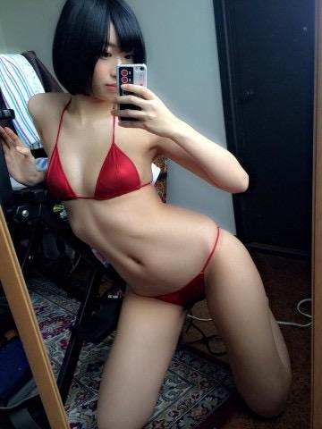 【グラドルくびれエロ画像】腰のクビレが凄い!エロい!グラビアアイドル画像 32