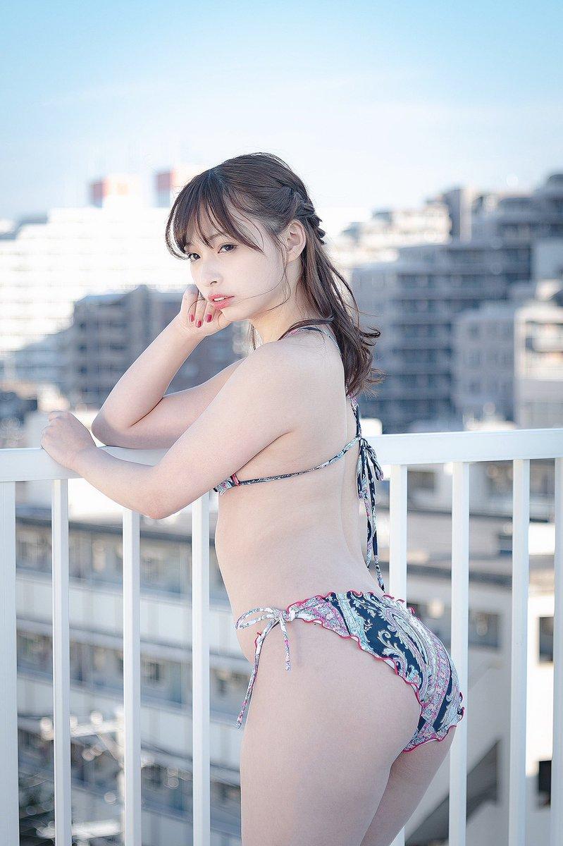 【鶴巻星奈エロ画像】スレンダーボディがめちゃシコれる美尻グラドルのセクシー画像 09