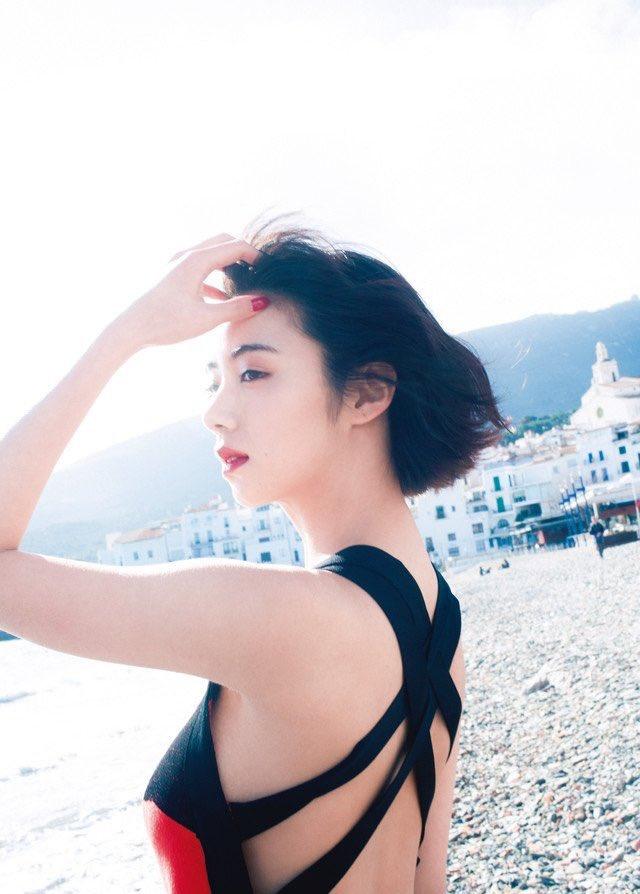 【池田エライザエロ画像】チンコが勃つくらいエロい濡れ場を演じる美少女ハーフ女優 12