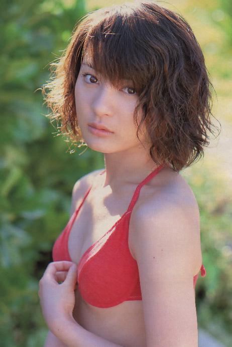 【新山千春グラビア画像】40歳が目前なのに美しさを維持している元グラドルが凄いwwww 14