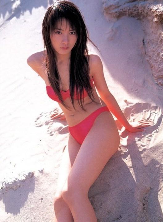 【新山千春グラビア画像】40歳が目前なのに美しさを維持している元グラドルが凄いwwww 27